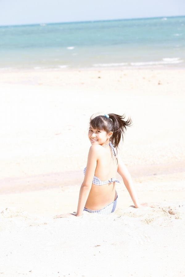 【和田彩花グラビア画像】元ハロプロアイドルの可愛くて健康的なビキニ姿 14