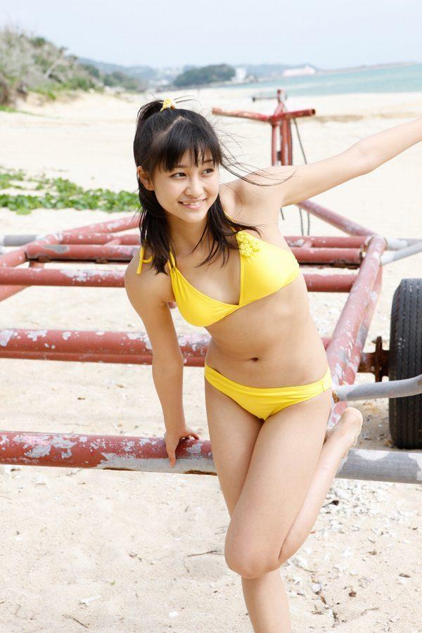 【和田彩花グラビア画像】元ハロプロアイドルの可愛くて健康的なビキニ姿 29