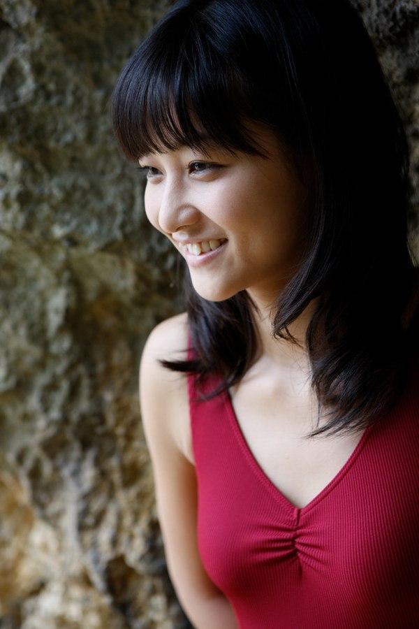 【和田彩花グラビア画像】元ハロプロアイドルの可愛くて健康的なビキニ姿 38