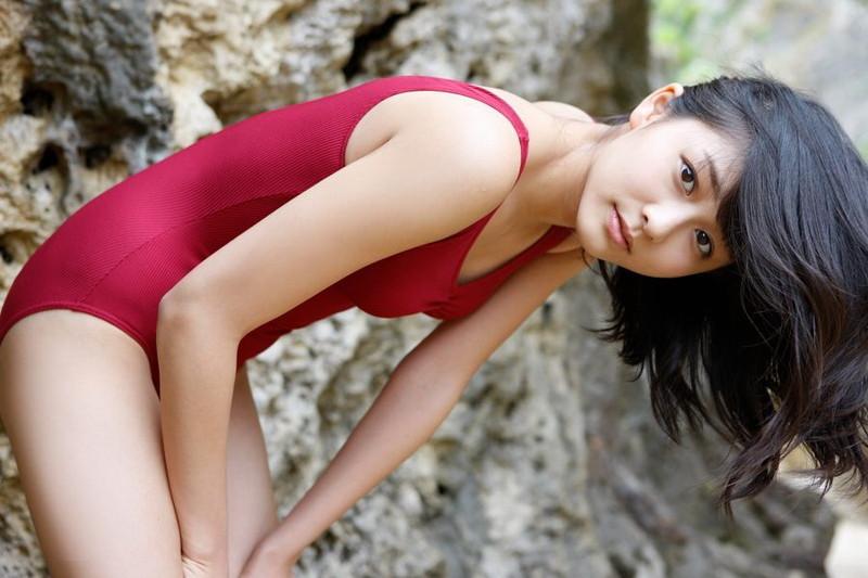 【和田彩花グラビア画像】元ハロプロアイドルの可愛くて健康的なビキニ姿 40