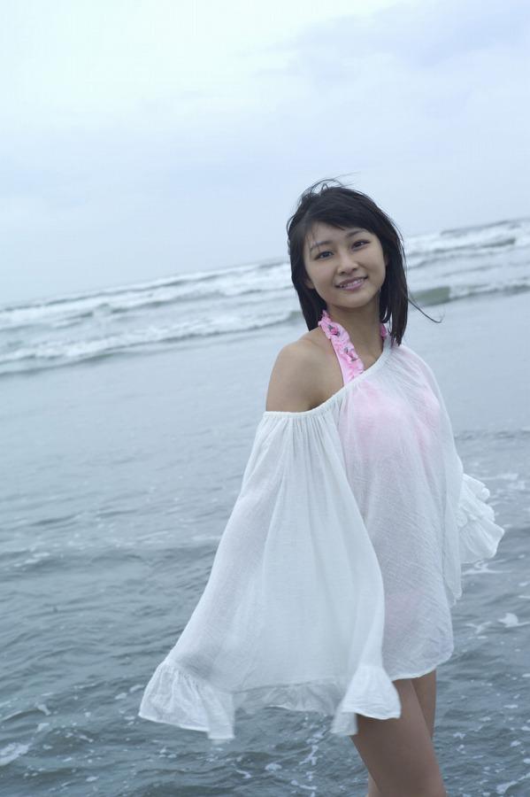 【和田彩花グラビア画像】元ハロプロアイドルの可愛くて健康的なビキニ姿 46