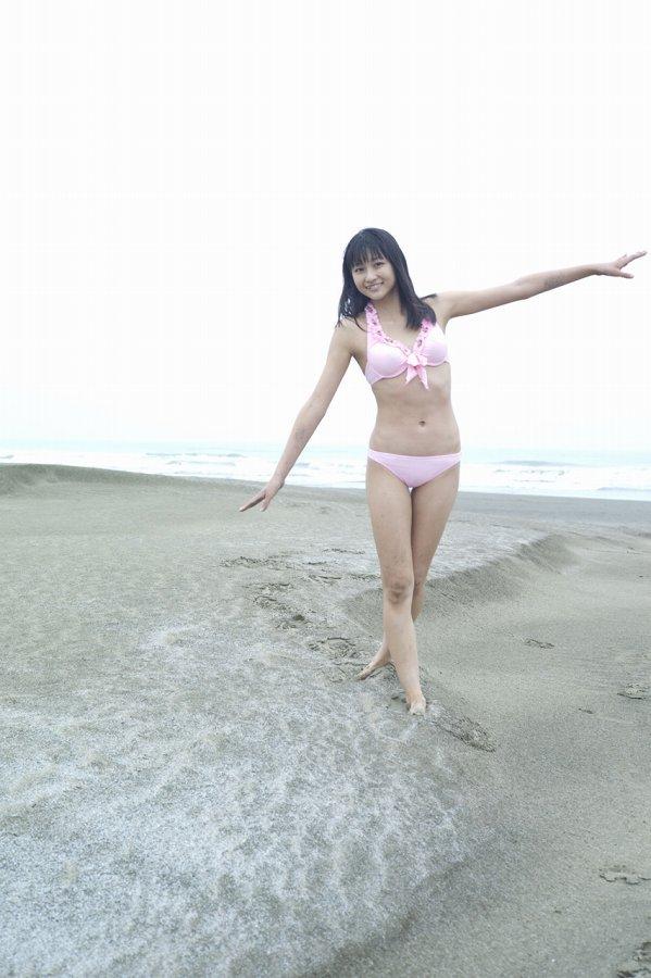 【和田彩花グラビア画像】元ハロプロアイドルの可愛くて健康的なビキニ姿 52