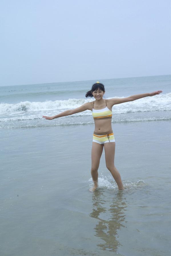 【和田彩花グラビア画像】元ハロプロアイドルの可愛くて健康的なビキニ姿 59