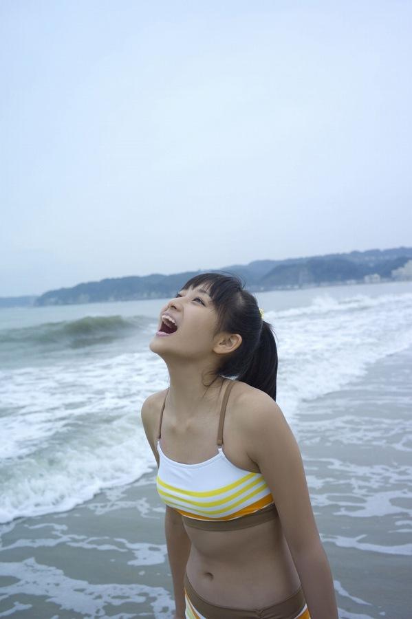 【和田彩花グラビア画像】元ハロプロアイドルの可愛くて健康的なビキニ姿 61