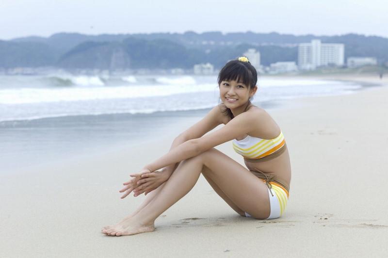 【和田彩花グラビア画像】元ハロプロアイドルの可愛くて健康的なビキニ姿 62