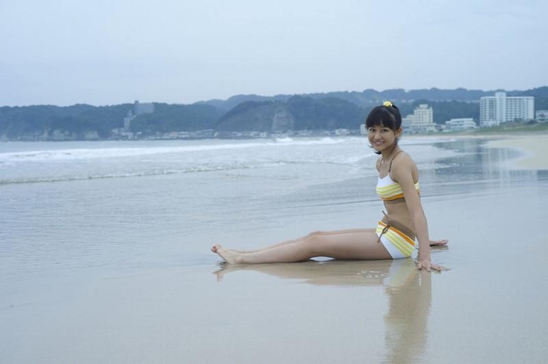 【和田彩花グラビア画像】元ハロプロアイドルの可愛くて健康的なビキニ姿 64