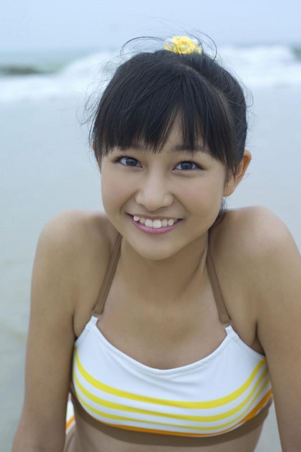 【和田彩花グラビア画像】元ハロプロアイドルの可愛くて健康的なビキニ姿 66