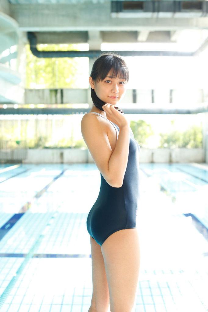 【和田彩花グラビア画像】元ハロプロアイドルの可愛くて健康的なビキニ姿 72