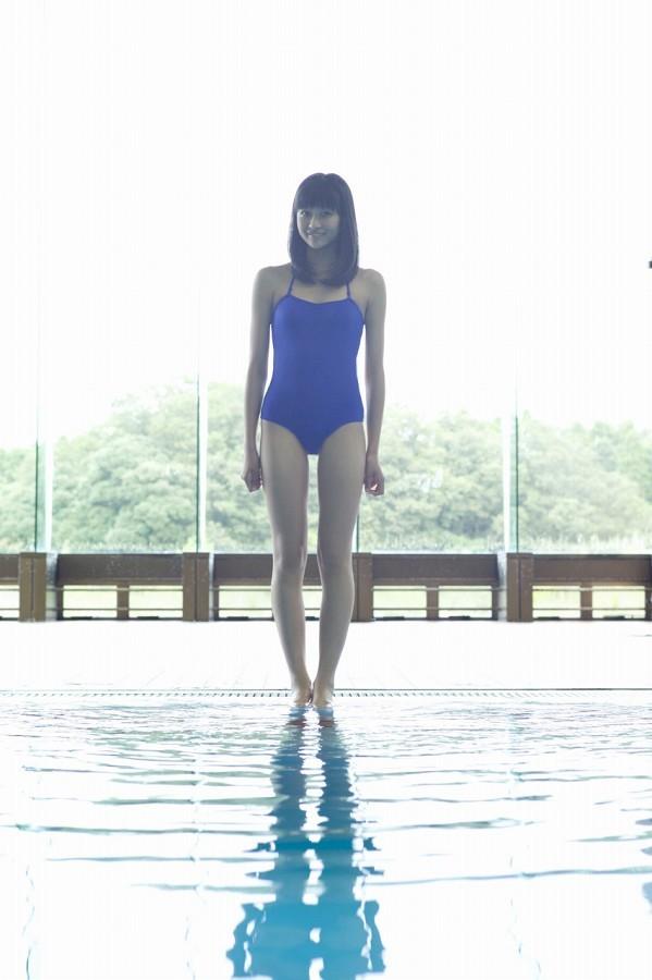 【和田彩花グラビア画像】元ハロプロアイドルの可愛くて健康的なビキニ姿 74