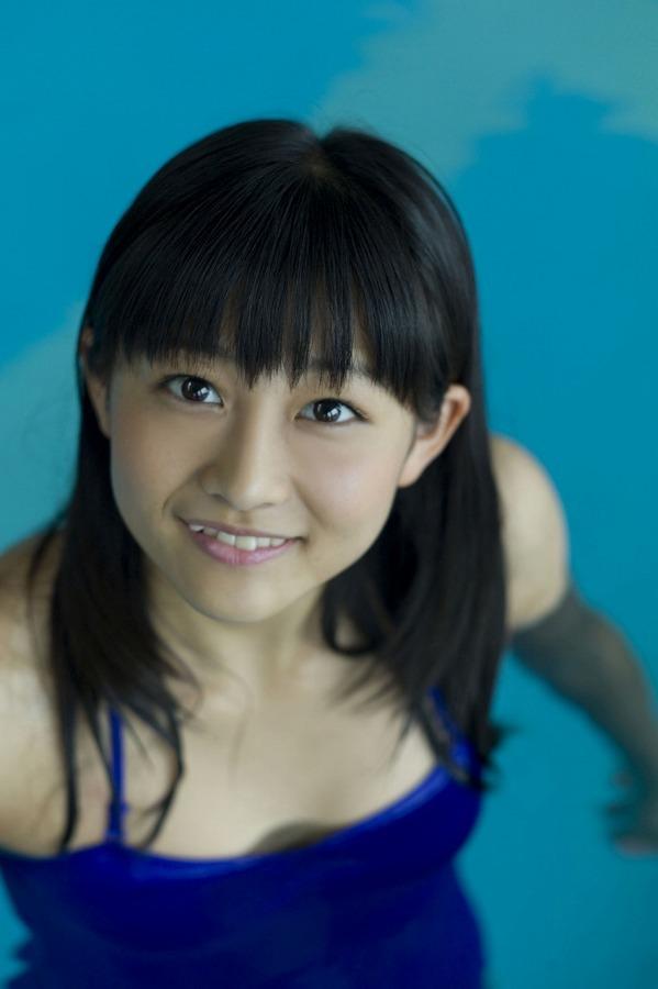 【和田彩花グラビア画像】元ハロプロアイドルの可愛くて健康的なビキニ姿 76