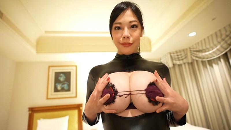 【伊藤椿キャプ画像】KカップとかいうAV女優みたいなデカさのグラドルw 27