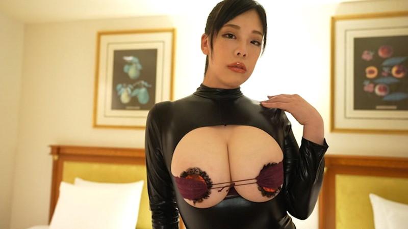 【伊藤椿キャプ画像】KカップとかいうAV女優みたいなデカさのグラドルw 31