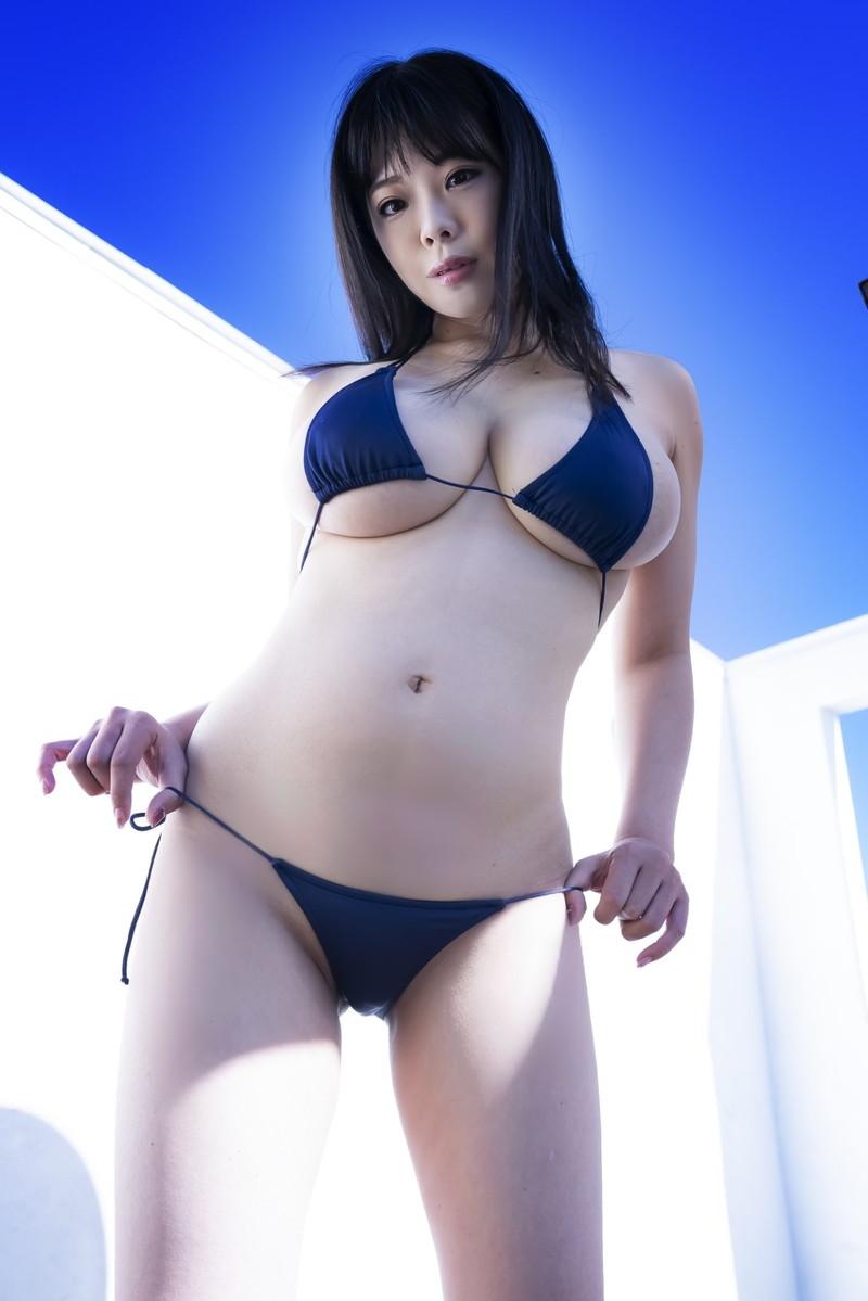 【伊藤椿キャプ画像】KカップとかいうAV女優みたいなデカさのグラドルw 74