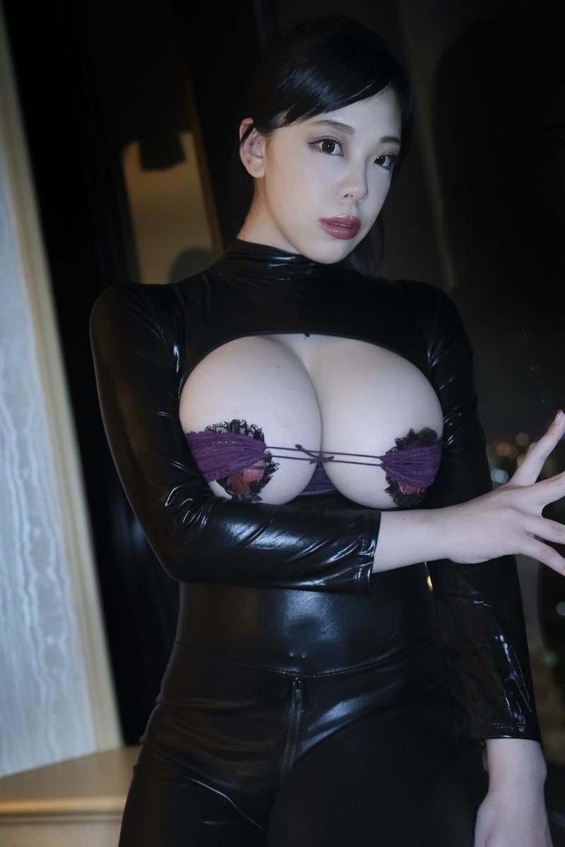 【伊藤椿キャプ画像】KカップとかいうAV女優みたいなデカさのグラドルw 78