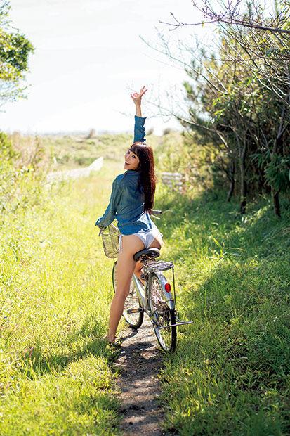 【山谷花純グラビア画像】ニンニンジャーでヒロインやってた勝ち気な女の子 44