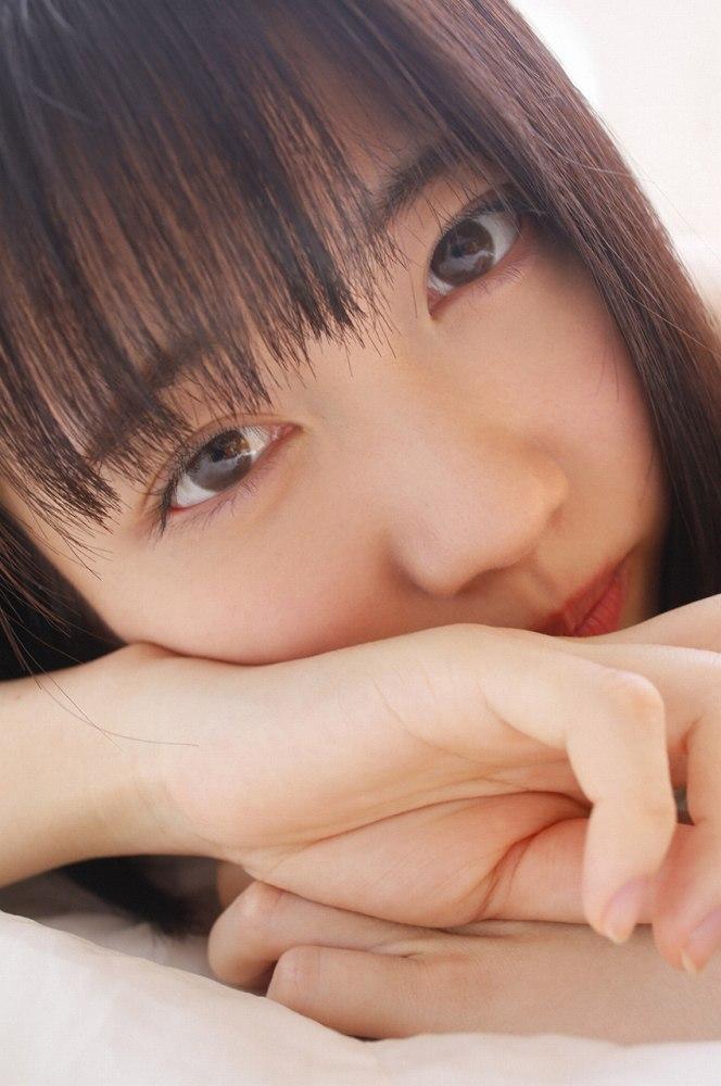 【吉井美優グラビア画像】アイドルグループ所属のスレンダー美女がエロい 77