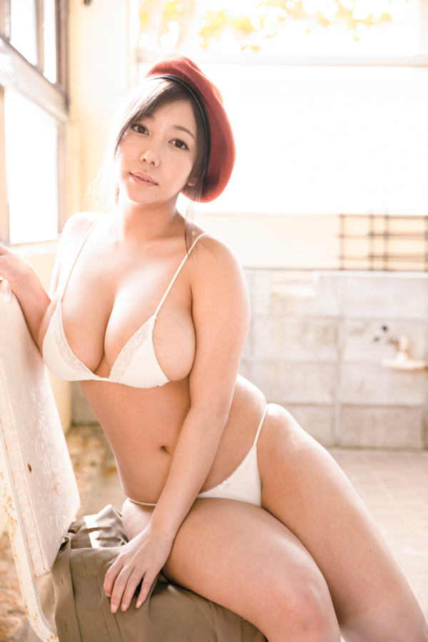 【夢見るぅキャプ画像】グラドルデビューしてすぐにAV女優になっちゃったw 74