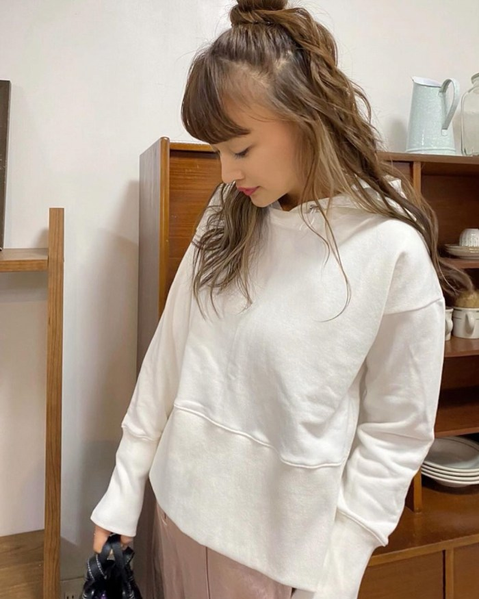 【わたなべ麻衣エロ画像】読モ時代にブレイクした美人モデルのセミヌード 54