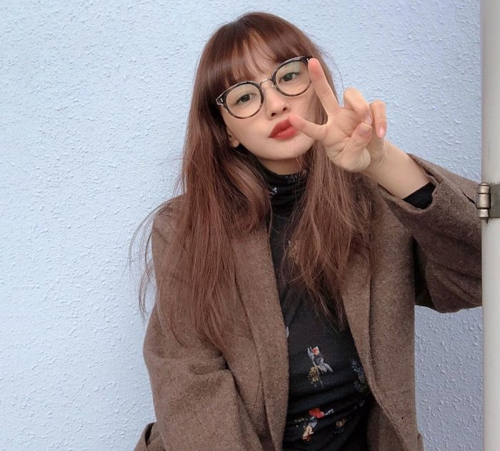 【わたなべ麻衣エロ画像】読モ時代にブレイクした美人モデルのセミヌード 55