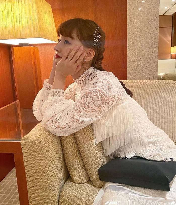 【わたなべ麻衣エロ画像】読モ時代にブレイクした美人モデルのセミヌード 60