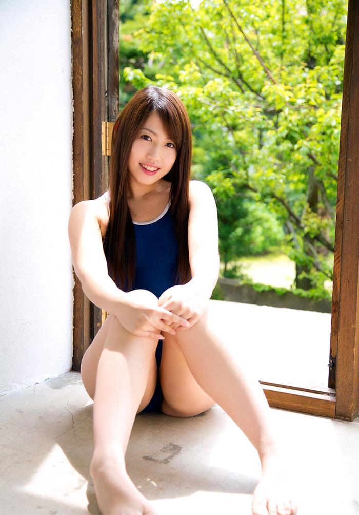 【璃乃エロ画像】Eカップ巨乳と巨尻が自慢のアイドル兼グラドルお姉さん 31