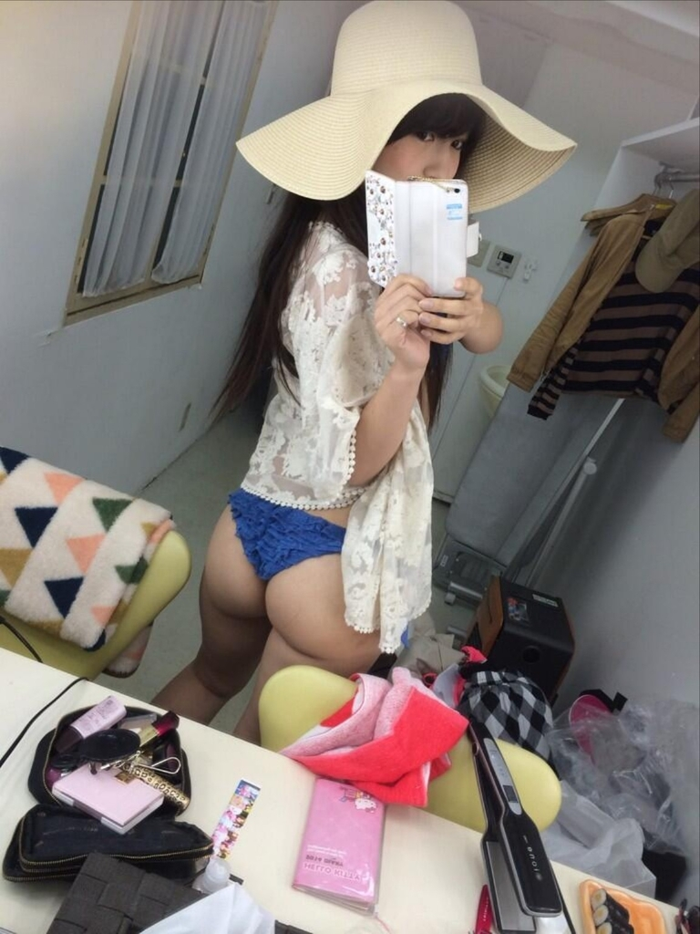 【璃乃エロ画像】Eカップ巨乳と巨尻が自慢のアイドル兼グラドルお姉さん 46