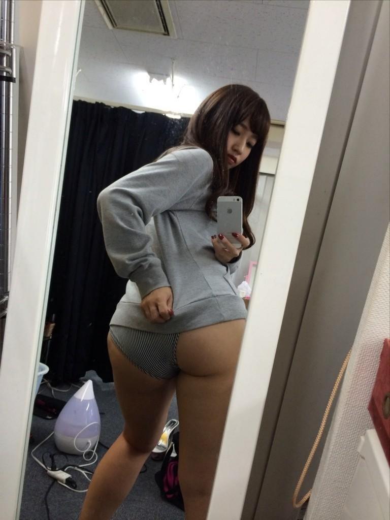 【璃乃エロ画像】Eカップ巨乳と巨尻が自慢のアイドル兼グラドルお姉さん 51