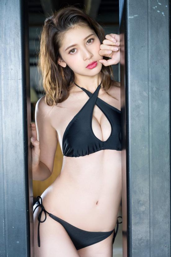【アンジェラ芽衣エロ画像】ハーフ美人モデルが仮面ライダーで女優デビューしたとかw 37