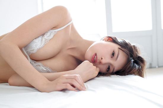 【アンジェラ芽衣エロ画像】ハーフ美人モデルが仮面ライダーで女優デビューしたとかw 49