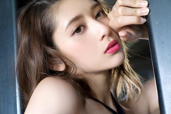 【アンジェラ芽衣エロ画像】ハーフ美人モデルが仮面ライダーで女優デビューしたとかw 62
