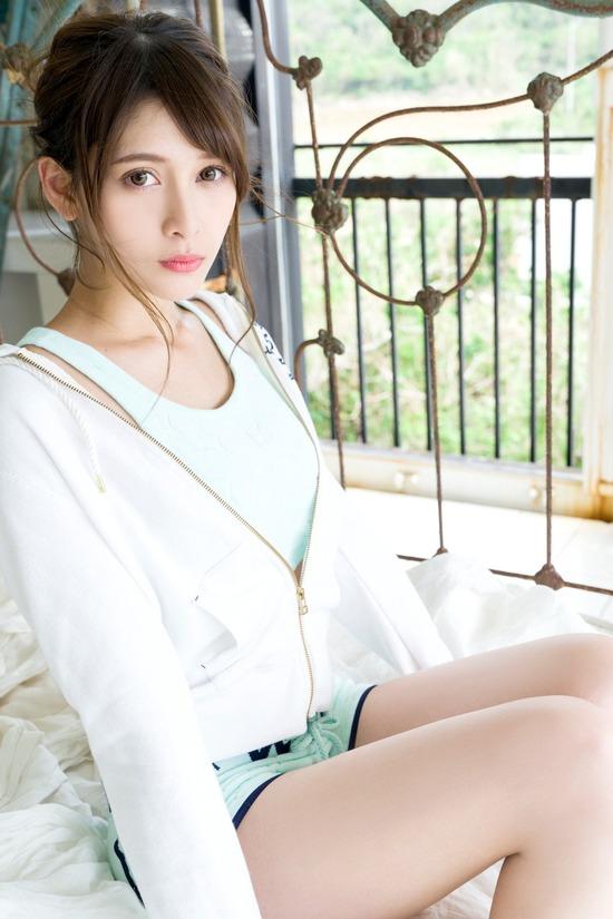 【アンジェラ芽衣エロ画像】ハーフ美人モデルが仮面ライダーで女優デビューしたとかw 67