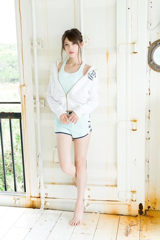 【アンジェラ芽衣エロ画像】ハーフ美人モデルが仮面ライダーで女優デビューしたとかw 69