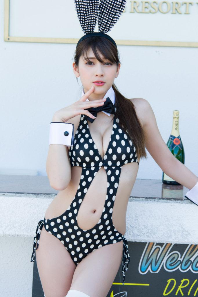 【アンジェラ芽衣エロ画像】ハーフ美人モデルが仮面ライダーで女優デビューしたとかw 79