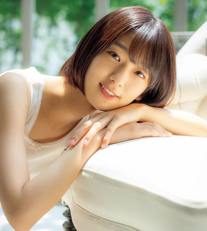 【井上梨名キャプ画像】ハタチになったばかりの笑顔が可愛い櫻坂46アイドル 32