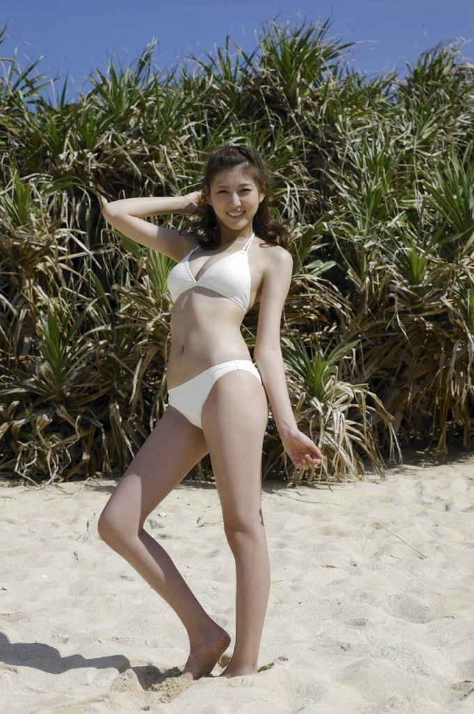 【岩崎名美グラビア画像】168cm長身ボディにカモシカ脚が特徴的なモデル美女 14