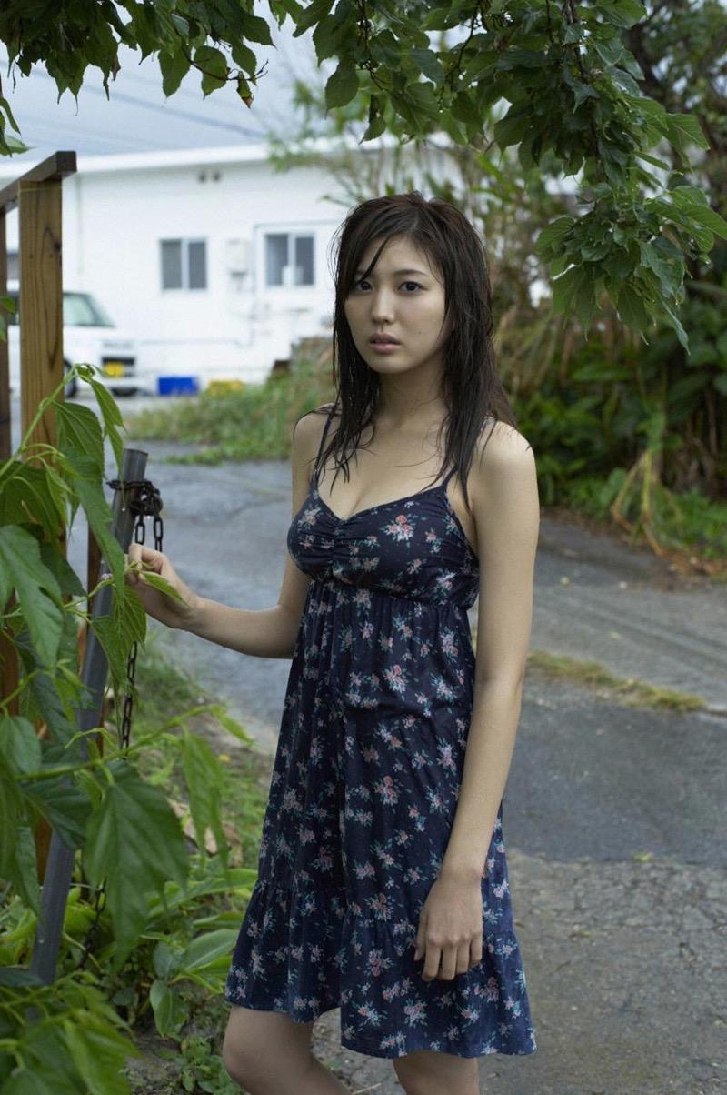 【岩崎名美グラビア画像】168cm長身ボディにカモシカ脚が特徴的なモデル美女 58