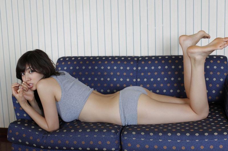 【岩崎名美グラビア画像】168cm長身ボディにカモシカ脚が特徴的なモデル美女 64