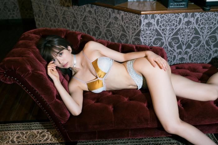【源藤アンリグラビア画像】あざと可愛い嘘つきタレントの綺麗なBカップボディ 04