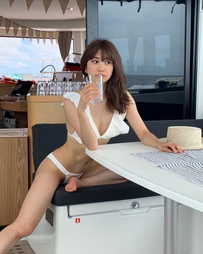 【源藤アンリグラビア画像】あざと可愛い嘘つきタレントの綺麗なBカップボディ 35