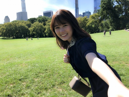 【生田絵梨花グラビア画像】アイドルは女優になる為の糧というストイック美女 32