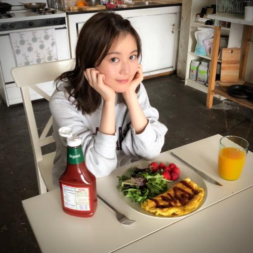【生田絵梨花グラビア画像】アイドルは女優になる為の糧というストイック美女 34