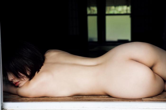 【永岡怜子ヌード画像】Gカップ巨乳ボディをヘアヌードで魅せつけるエロ美女 06