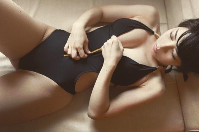 【永岡怜子ヌード画像】Gカップ巨乳ボディをヘアヌードで魅せつけるエロ美女 07