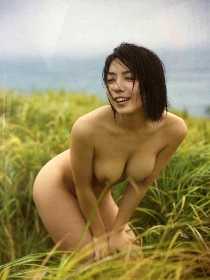 【永岡怜子ヌード画像】Gカップ巨乳ボディをヘアヌードで魅せつけるエロ美女 53