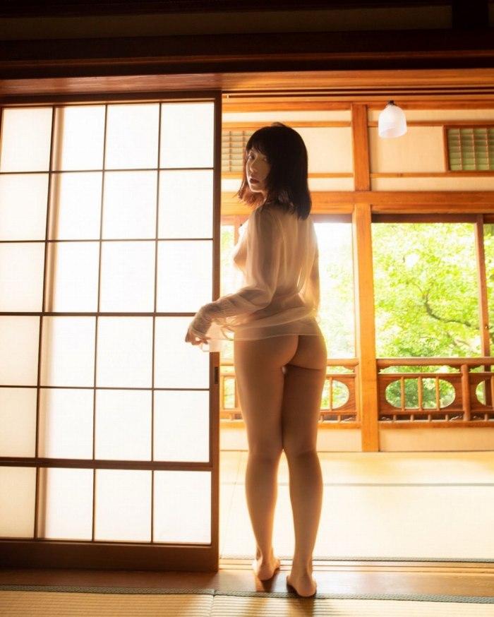 【永岡怜子ヌード画像】Gカップ巨乳ボディをヘアヌードで魅せつけるエロ美女 67