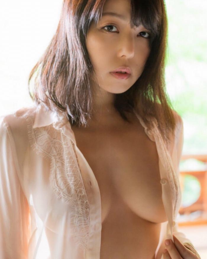 【永岡怜子ヌード画像】Gカップ巨乳ボディをヘアヌードで魅せつけるエロ美女 72