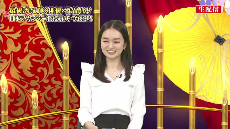 【女子アナキャプ画像】アラサーに見えない童顔アナウンサーの透け服! 12