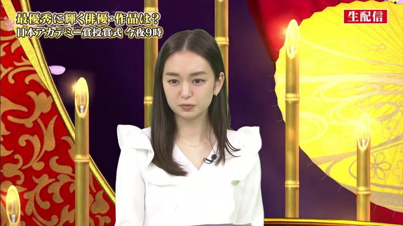 【女子アナキャプ画像】アラサーに見えない童顔アナウンサーの透け服! 15
