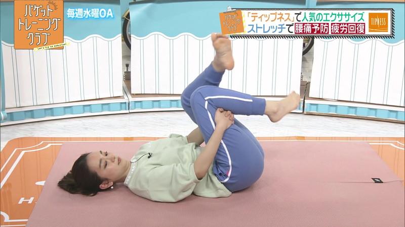 【女子アナキャプ画像】アラサーに見えない童顔アナウンサーの透け服! 24