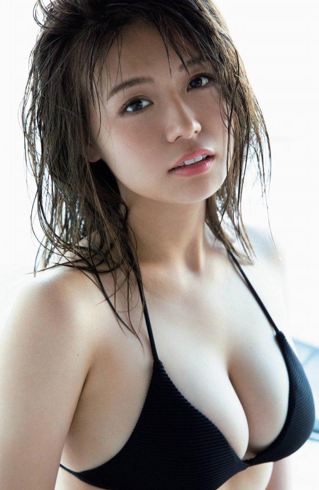 【井口綾子グラビア画像】毎朝お兄ちゃんのモーニングキスで起きるってマジかよw 16